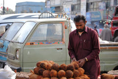 Gatavender i Karachi royaltyfria foton