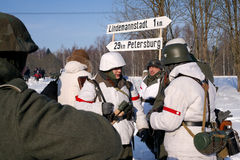 Gatchina,俄罗斯, 2012年2月18日:第二次世界大战的争斗的重建 图库摄影
