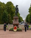 Gatchina,俄罗斯- 2016年9月10日:对俄国皇帝保禄一世的纪念碑 库存照片