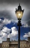 在正方形的灯笼在宫殿前面 Gatchina 圣彼德堡 俄国 图库摄影