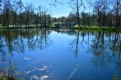 Gatchina slott och sjö Beloe petersburg russia st Arkivbilder