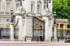 Gate with gilded ornaments in Buckingham Palace, London Stock Photo