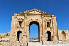 Gate of the old city in Jerash Royalty Free Stock Photography