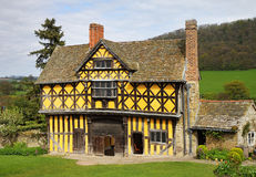 gatehouse anglais médiéval image stock