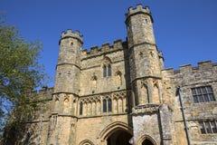 Gatehouse da abadia da batalha em Sussex fotos de stock