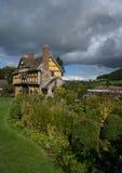 Gatehouse de château de Stokesay Images stock