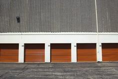 gates orange offentlig lagring Arkivbild