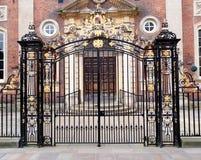 gates utsmyckat arkivbilder