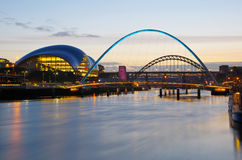 Gateshead e Newcastle no por do sol Foto de Stock Royalty Free