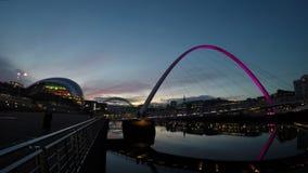 Gateshead-Jahrtausend-Brücke stock video footage