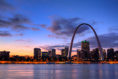 Gateway Arch at Sunset Royalty Free Stock Photos
