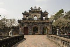 Gateway in de Verboden Purpere Stad in Tint, Vietnam stock afbeelding