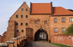 Gateway gotico alla città mediewal Immagini Stock Libere da Diritti