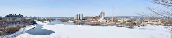 Gatineau horisontpanorama i vintern, Ottawa, Kanada Royaltyfri Fotografi