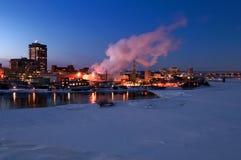 Gatineau Québec au crépuscule Photos stock