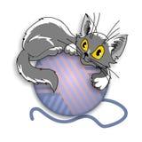 Gatito y una bola Imagen de archivo