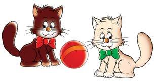 Gatitos y bola Foto de archivo libre de regalías
