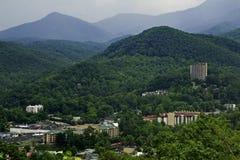 Gatlinburg, TN e montanhas fumarentos Imagens de Stock Royalty Free