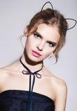 Gato bonito das orelhas da composição da menina 'sexy' bonita Fotos de Stock Royalty Free