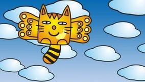 Gato con las alas, agitando entre las nubes y el cielo azul