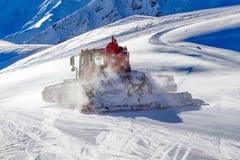 Gato da neve que groming Ski Slope Fotografia de Stock