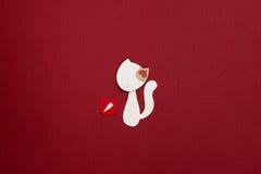 Gato de papel con applique del corazón Imagenes de archivo