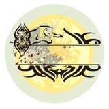 Gato selvagem em um salto e em um sol de aumentação Fotografia de Stock Royalty Free