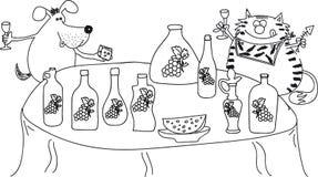 Gato y perro que se sientan en la tabla, vino de la bebida, queso Imagen de archivo