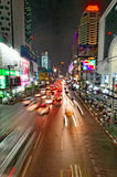 Gator av Bangkok på natten Arkivbild