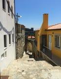 Gator av Porto Portugal i sommar arkivbilder