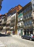 Gator av Porto Portugal i sommar arkivfoton