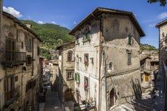 Gator av Scanno, Abruzzo - Italien Royaltyfri Bild