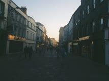 Gator för gångare endast av i stadens centrum Galway, Irland Arkivbilder