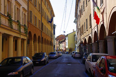 Gator i mitt av bolognaen, Italien Arkivfoton