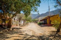 Gator i staden av Tanganga sätter på land, Santa Marta Arkivbild