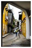 gator och balkonger i Cartagena arkivbilder