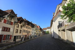 Gator och byggnader från Aarau, Schweiz Royaltyfria Bilder