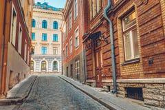 Gator och gammal estländare för delstadsarkitektur Arkivfoto