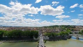 Gator och hus av Rome från flyg- sikt turist- ställen och panoramor av Rome Solig dag i Rome stock video