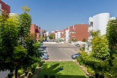 Gator och hus i område för ölSheva stad Royaltyfri Fotografi