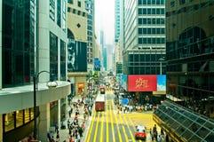 Gator och trafik i Hong Kong den finansiella mitten Arkivfoton