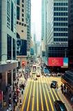 Gator och trafik i Hong Kong den finansiella mitten Royaltyfri Fotografi