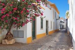 Gatorna av den gammala townen av Faro. Royaltyfri Fotografi