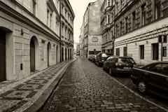 Gatorna av gamla Prague. Stiliserad film. Stora korn. Sepia Royaltyfri Fotografi