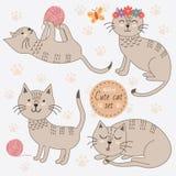 Gatos bonitos em poses diferentes isolados no fundo branco ilustração royalty free