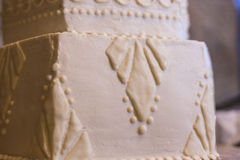 Gatsby inspirerade bröllopstårtan Royaltyfria Bilder