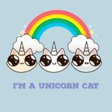 Gatti con un corno sui precedenti dell'arcobaleno Immagini Stock Libere da Diritti