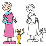 Gatto ambulante della donna maggiore sul guinzaglio Immagini Stock