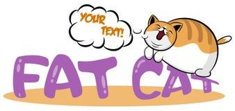 Gatto pigro che dorme sul logo Gattino grasso sveglio che si trova sull'icona del fumetto dello stomaco Modello del Logotype con  royalty illustrazione gratis