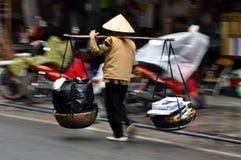 Gatuförsäljare i Hanoi, Vietnam Arkivbilder